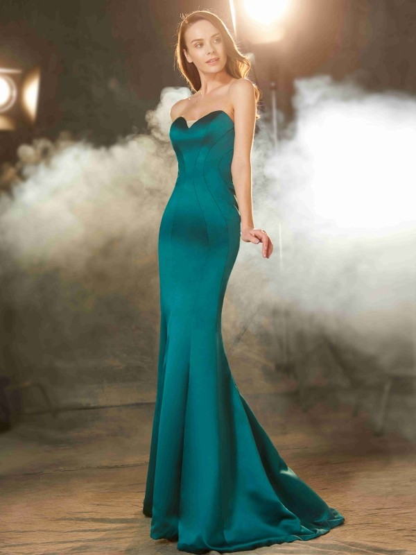 Trumpet/Mermaid Sleeveless Sweetheart Sweep/Brush Train Ruched Satin Dresses