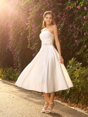 A-Line/Princess Sleeveless Sweetheart Tea-Length Beading Satin Wedding Dresses