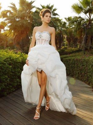A-Line/Princess Sleeveless Sweetheart Asymmetrical Beading Organza Wedding Dresses
