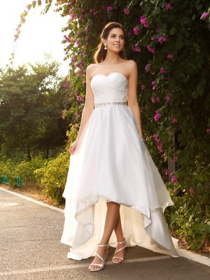 A-Line/Princess Sweetheart Sleeveless Asymmetrical Beading Organza Wedding Dresses