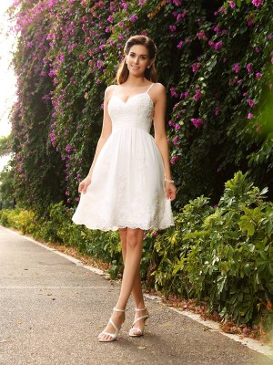 A-Line/Princess Spaghetti Straps Sleeveless Knee-Length Applique Lace Wedding Dresses