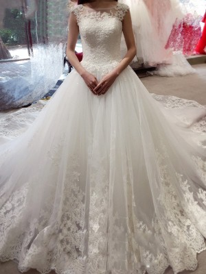 Ball Gown Bateau Sleeveless Court Train Applique Tulle Wedding Dresses
