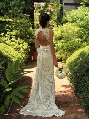 Sheath/Column V-neck Sleeveless Sweep/Brush Train Lace Wedding Dresses