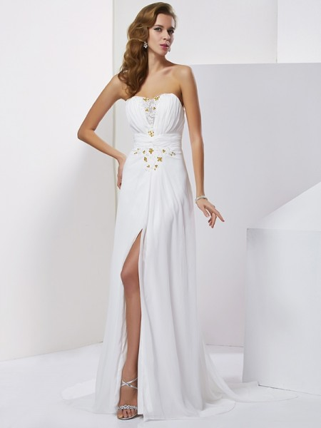 A-Line/Princess Sleeveless Sweetheart Sweep/Brush Train Applique Chiffon Dresses