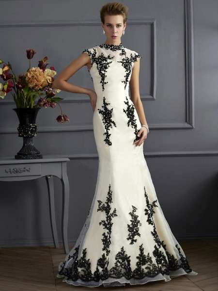 Trumpet/Mermaid High Neck Short Sleeves Sweep/Brush Train Applique Chiffon Mother of the Bride Dresses