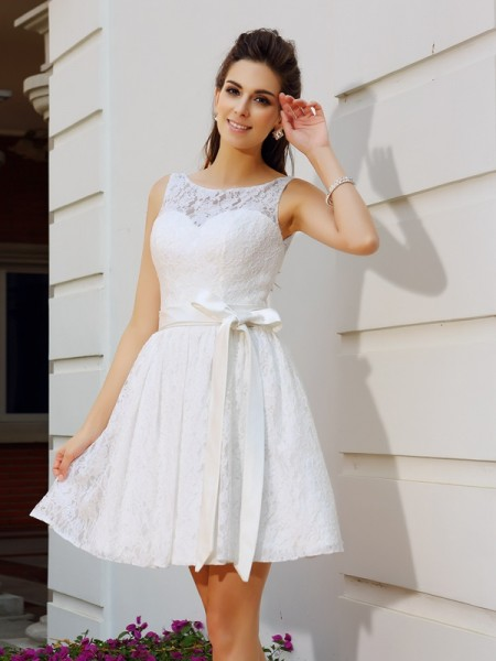 A-Line/Princess Sleeveless Scoop Short/Mini Sash/Ribbon/Belt Lace Dresses