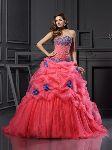 Ball Gown Sweetheart Sleeveless Chapel Train Beading Organza Dresses
