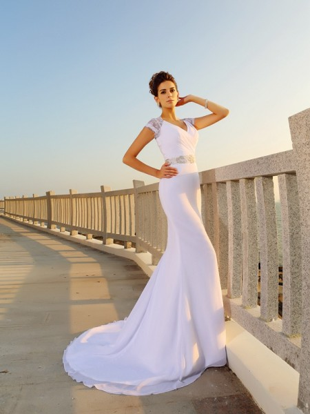 Sheath/Column V-neck Sleeveless Court Train Beading Chiffon Wedding Dresses