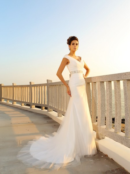 Sheath/Column V-neck Sleeveless Court Train Pleats Net Wedding Dresses