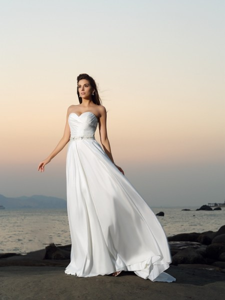 A-Line/Princess Sleeveless Sweetheart Chapel Train Beading Taffeta Wedding Dresses