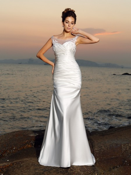 Trumpet/Mermaid Sleeveless Scoop Sweep/Brush Train Applique Satin Wedding Dresses