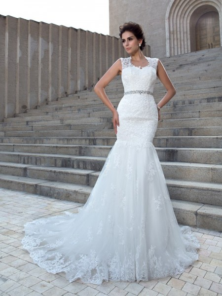 Trumpet/Mermaid V-neck Sleeveless Chapel Train Applique Lace Wedding Dresses