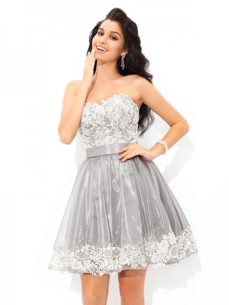 A-Line/Princess Sweetheart Sleeveless Short/Mini Lace Tulle Dresses