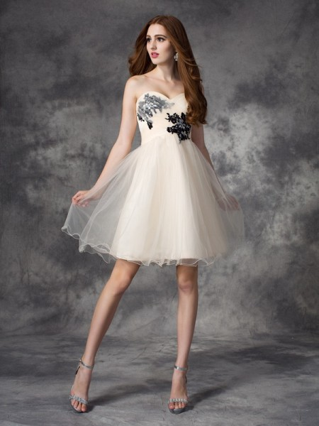 A-Line/Princess Sleeveless Sweetheart Short/Mini Applique Net Dresses