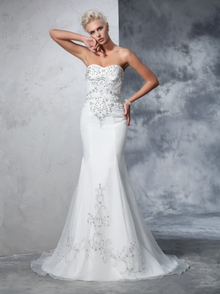 Trumpet/Mermaid Sweetheart Sleeveless Court Train Beading Satin Wedding Dresses