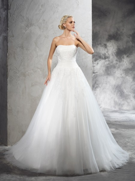 Ball Gown Sleeveless Strapless Court Train Applique Satin Wedding Dresses
