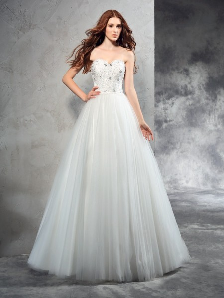 A-Line/Princess Sweetheart Sleeveless Floor-Length Beading Net Wedding Dresses