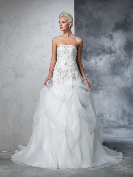Ball Gown Sleeveless Strapless Chapel Train Beading Tulle Wedding Dresses