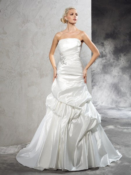 Sheath/Column Sleeveless Strapless Court Train Pleats Satin Wedding Dresses