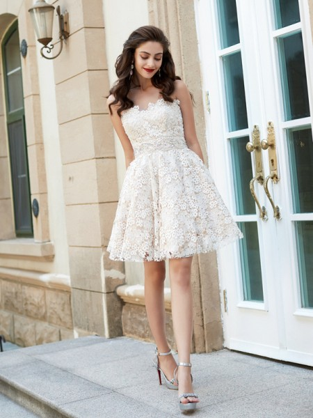 A-Line/Princess Sleeveless Sweetheart Short/Mini Rhinestone Lace Dresses