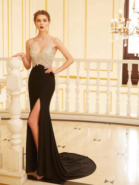Sheath/Column V-neck Sleeveless Sweep/Brush Train Beading Spandex Dresses