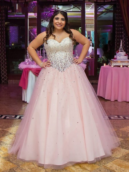 Ball Gown Sweetheart Sleeveless Floor-Length Beading Tulle Plus Size Dresses