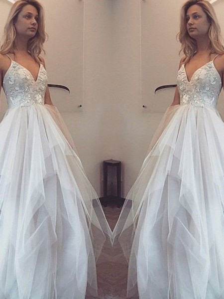A-Line/Princess Sleeveless Spaghetti Straps Floor-Length Applique Tulle Dresses