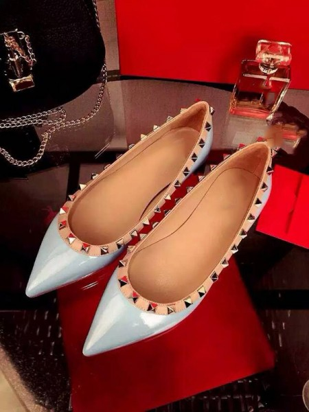 Women's Flat Heel Patent Leather Closed Toe With Rivet Party Casual Flat Shoes