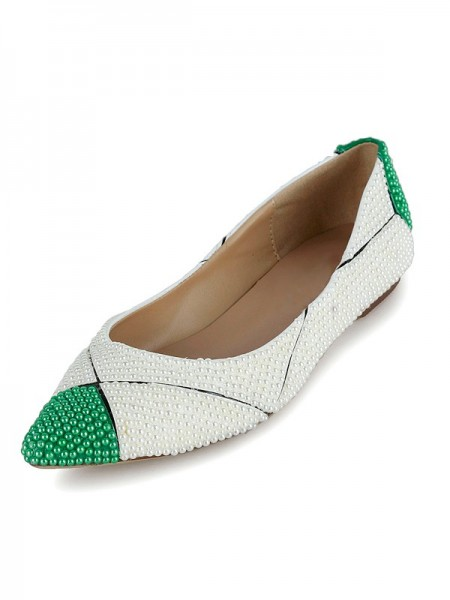 Women's Flat Heel Patent Leather Closed Toe With Pearl Flat Shoes